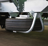 As standard SOMMER swap trailers and containerchassis are equipped with a readily accessible spare wheel holder.