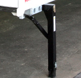 The support legs are attached so that they can be easily deployed or retracted. The drop height is adjustable.